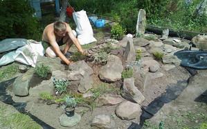 Как сделать цветочные клумбы из камней своими руками (фото варианты)?